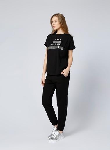 T-Box Yazı Baskılı Tişört Siyah